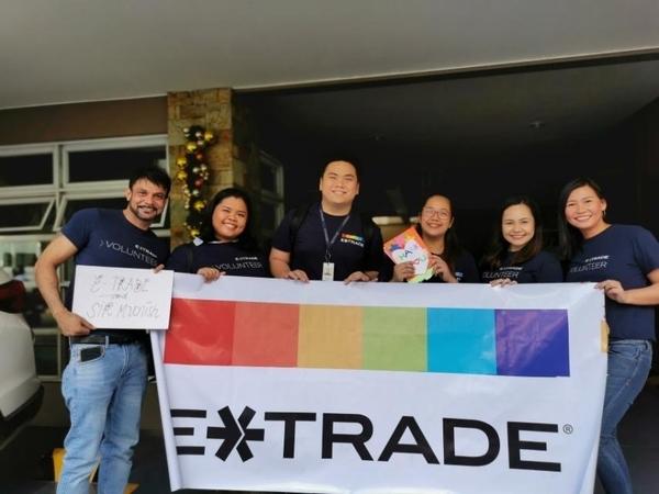 Metro Manila - Holiday gift giving event, HUB, Red Ribbon NGO